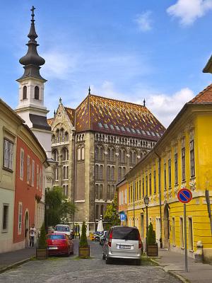 Vanhaa arkitehtuuria Linnavuorella Budapestissa